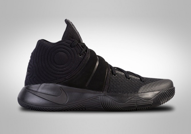NIKE KYRIE 2 BLACKOUT