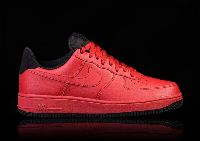check out 0e387 3ee17 NIKE AIR FORCE 1  07 GYM RED-BLACK