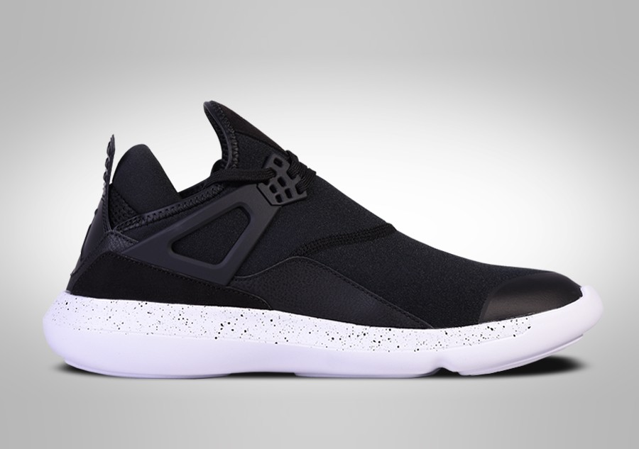 d47d1709e1f9 NIKE AIR JORDAN FLY  89 OREO price €92.50