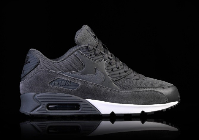 65b90e025bf1b7 NIKE AIR MAX 90 ESSENTIAL DARK GREY price €122.50
