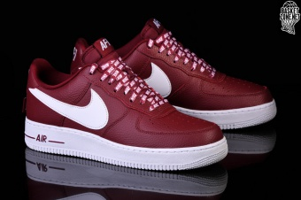 bce61182c0540 NIKE AIR FORCE 1 '07 LV8 NBA PACK TEAM RED per €97,50 | Basketzone.net