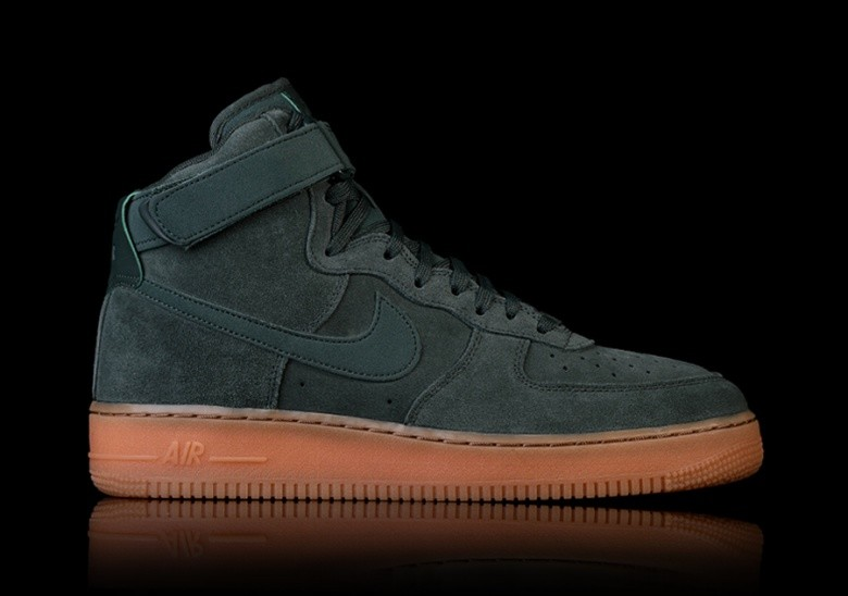 timeless design 705be c2c82 NIKE AIR FORCE 1 HIGH '07 LV8 SUEDE GREEN für €92,50 ...