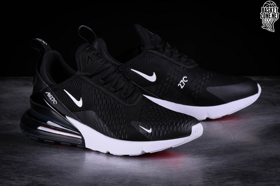 NIKE AIR MAX 270 BLACK für €149,00 |