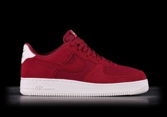 competitive price d9f08 0b4ab NIKE AIR FORCE 1 07 SUEDE RED CRUSH