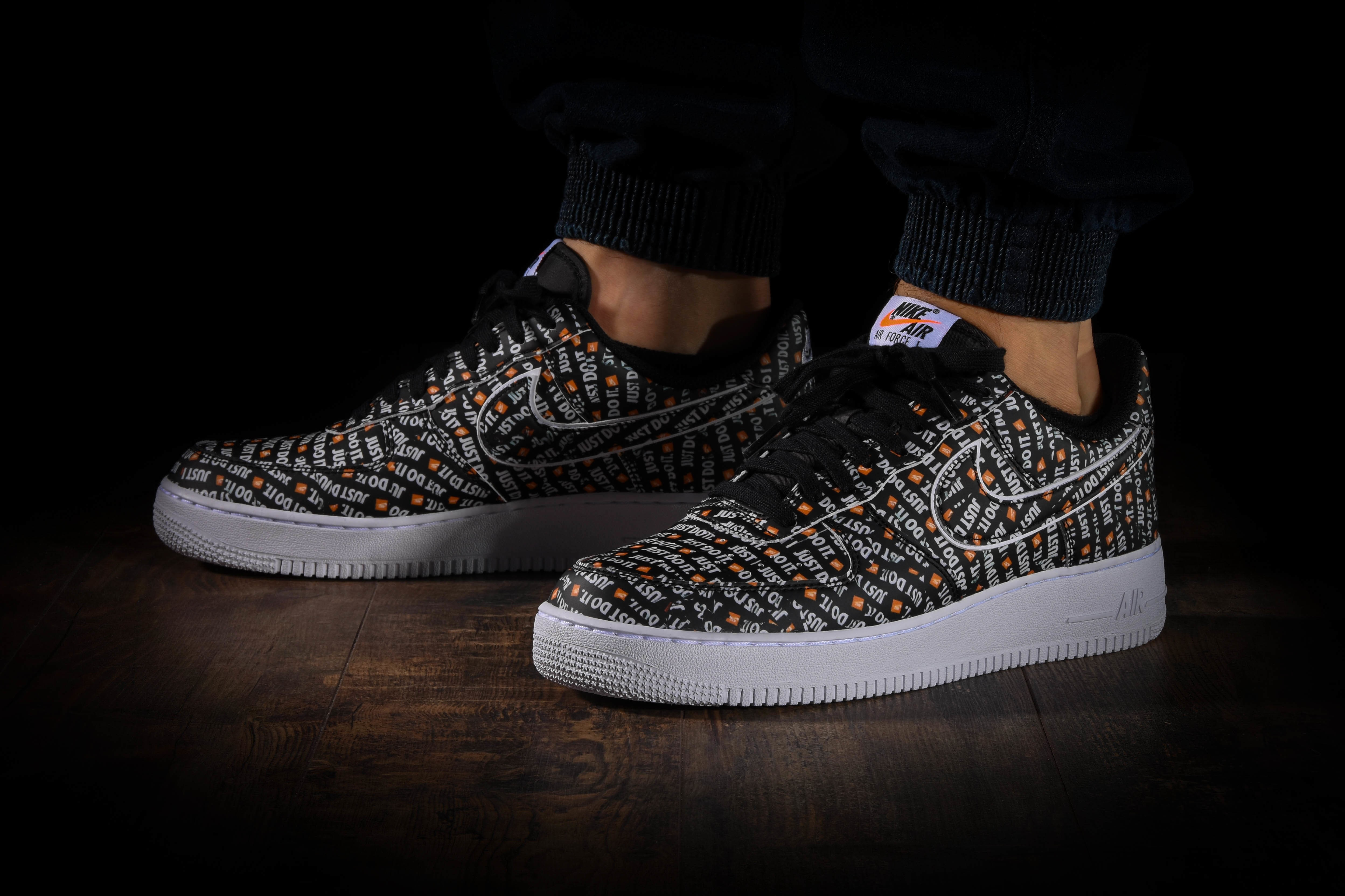 NIKE AIR FORCE 1 '07 LV8 JDI for £95.00