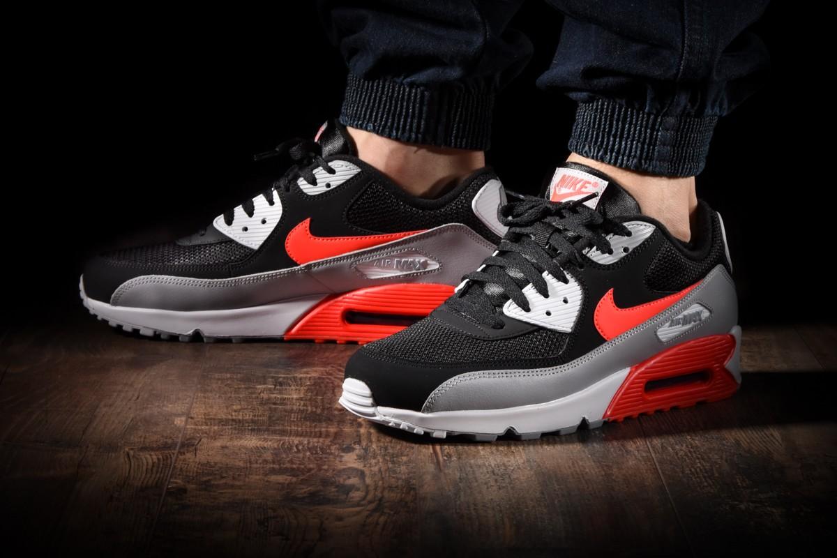 Nike Air Max 90 Essential Black infrared 44,5