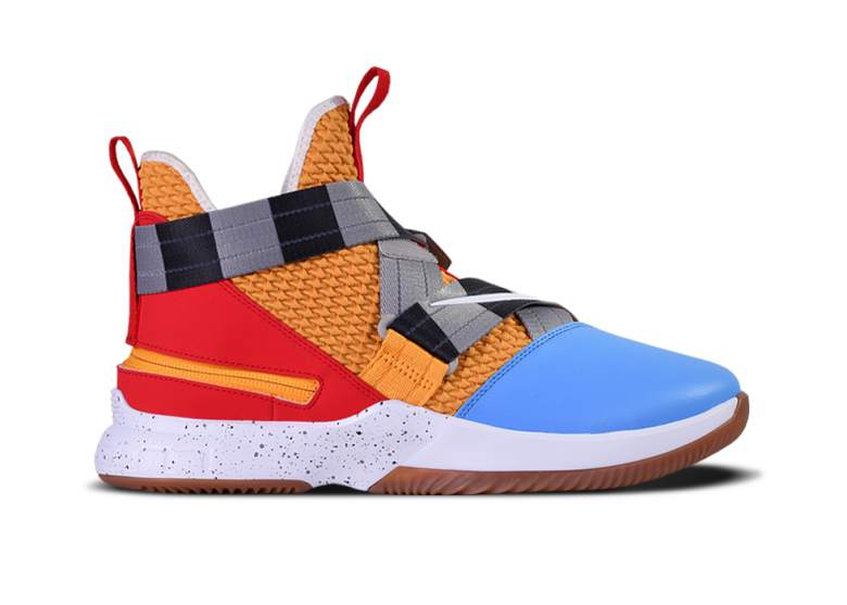 f16062ca7e8 NIKE LEBRON SOLDIER 12 FLYEASE. TOY STORY. LEBRON JAMES. €130