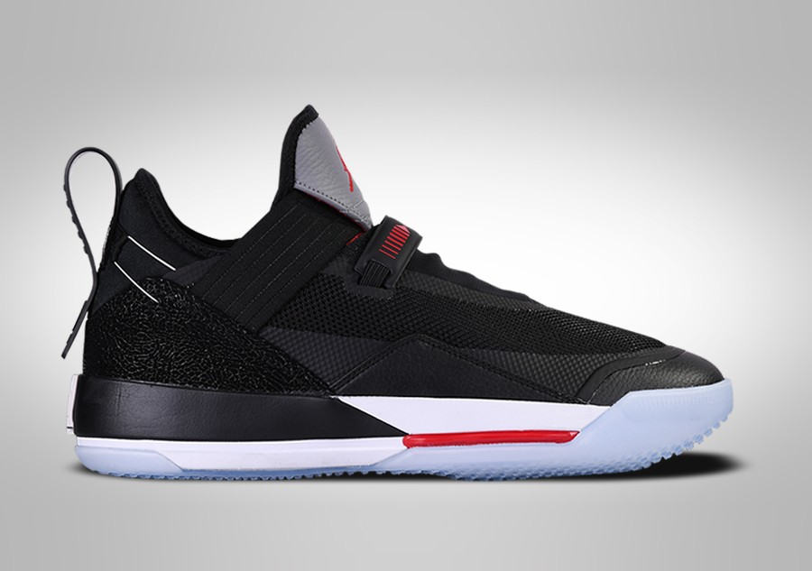 NIKE AIR JORDAN 33 LOW SE BRED price ?157.50 |